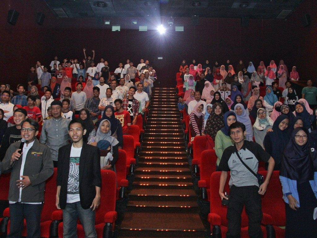 Pesantren Bioskop - Festival Ramadhan Masjid Al-Ikhlash Jatipadang, Nonton Bareng Film 5 Penjuru Masjid di Cinema XXI Pejaten Village